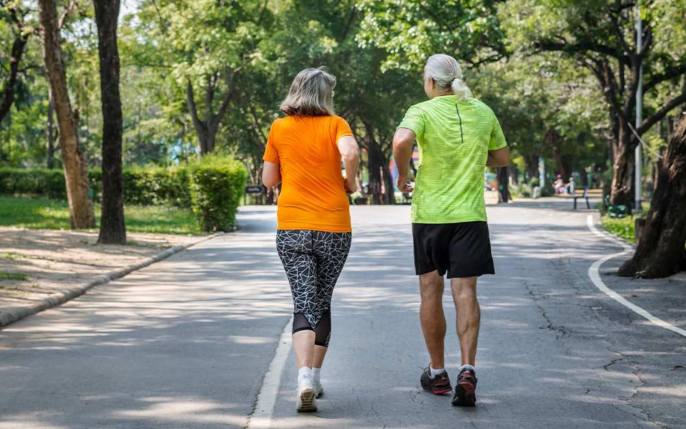 Drzemka idealna – starszym ludziom także opłaca się drzemać