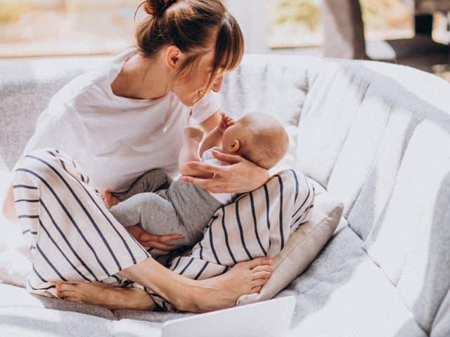 W jaki sposób karmienie piersią chroni zdrowie matki – Światowy Tydzień Karmienia Piersią