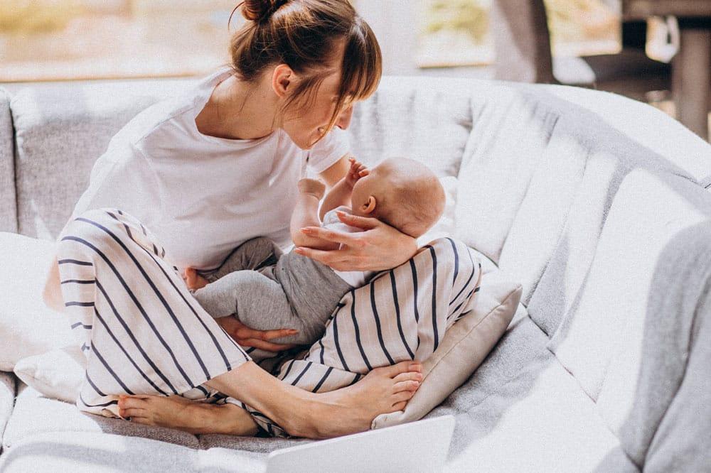 Karmienie piersią to jedna z najlepszych rzeczy, jakie mama może zrobić dla dziecka