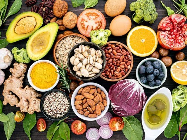 Co jeść, żeby żyć dłużej? Produkty skutecznie łagodzące stan zapalny