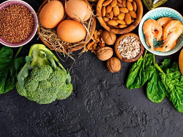 Skóra mi się starzeje – co jeść, żeby to powstrzymać?