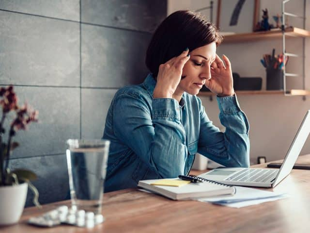 Bóle głowy – jak je zmniejszyć bez tabletek
