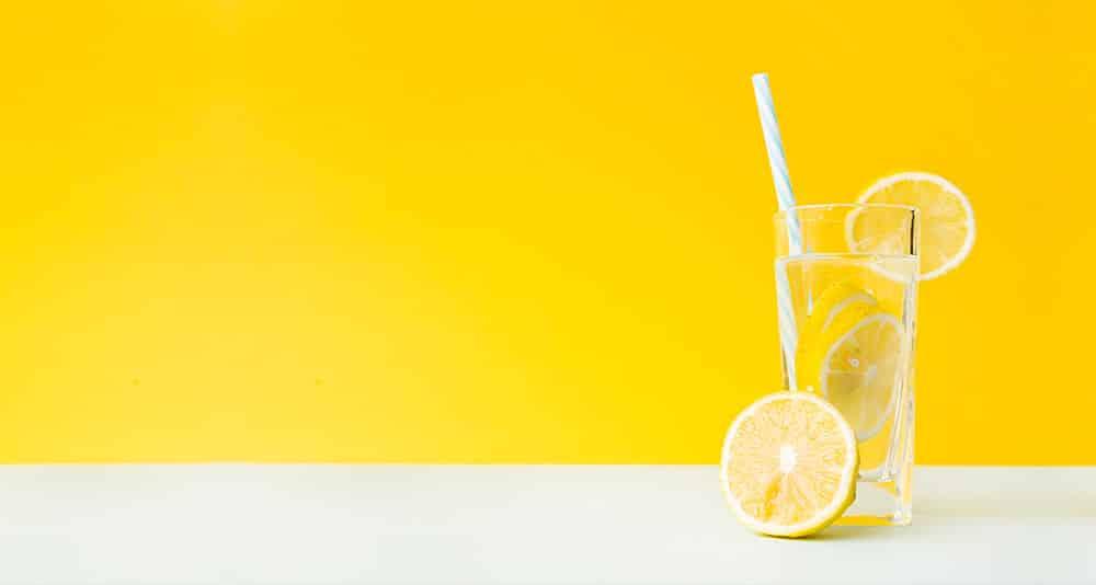 Picie wody pomaga na ból głowy