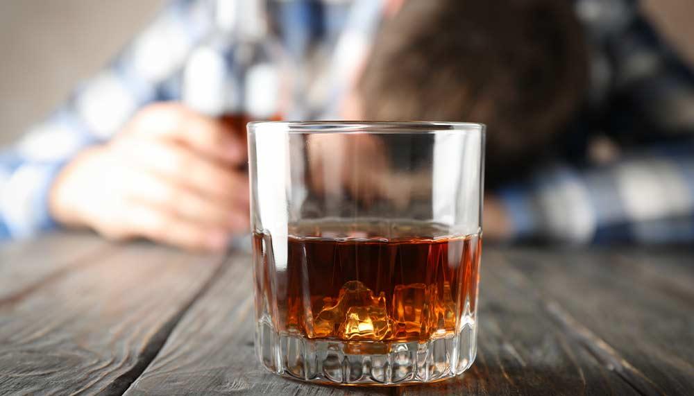 Jak alkohol wpływa na jakość snu