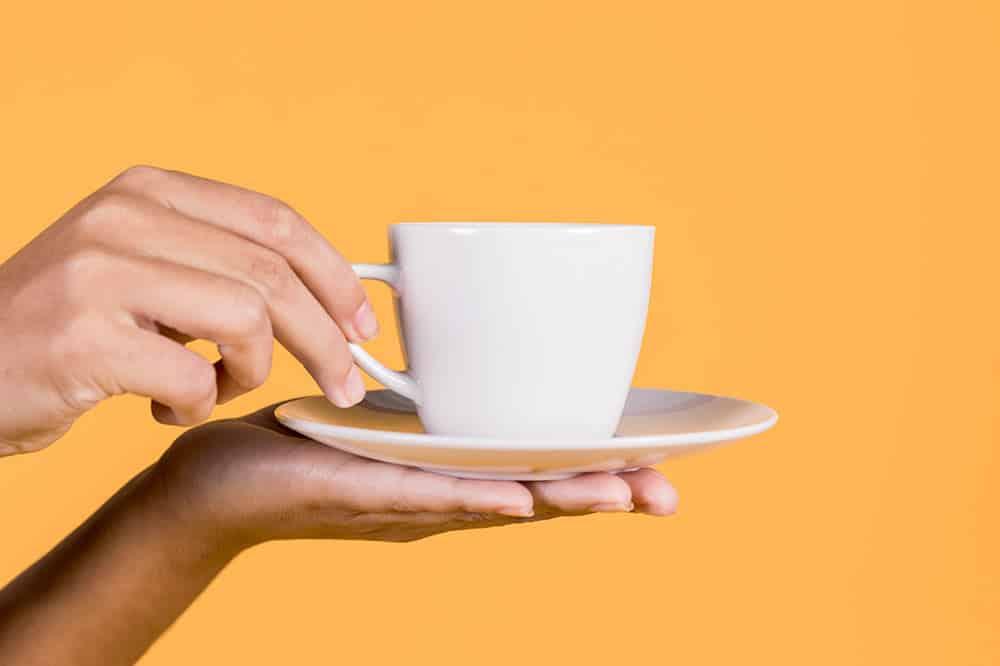 Kawa i herbata – jaka dzienna dawka jest bezpieczna dla zdrowia?